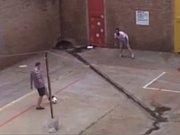Krejčíř s Pistoriusem na videu , které zveřejnil server jihoafrického listu Daily Sun.