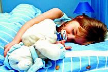 Je nezbytně nutné, aby si dítě navyklo na režim střídání dne a noci.
