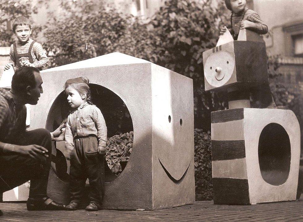 Dětské prolézačky v Železném Brodě od Vladimíra Kýna v polovině 60. let