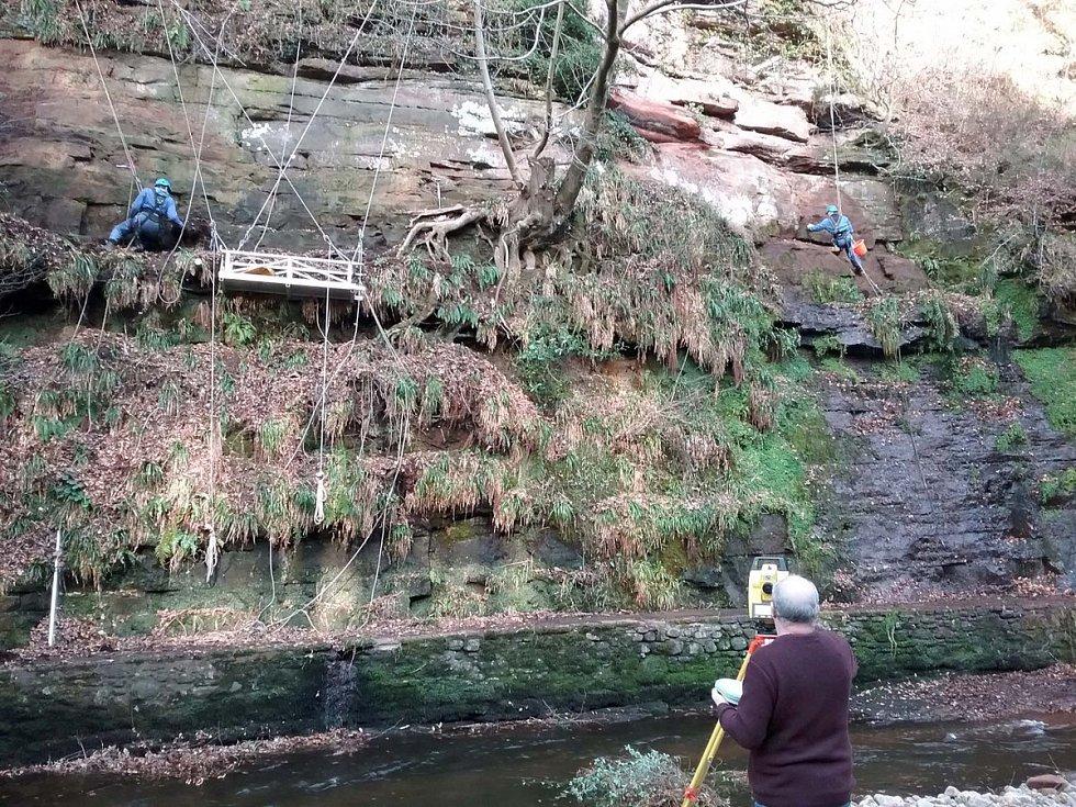 Britští archeologové pracují v lomu Gelt Woods