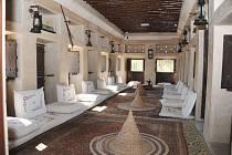 Jednou z atrakcí virtuální prohlídky Dubaje je šejkovo letní sídlo Umm Al Sheif Majlis