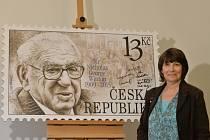 Dcera Nicholase Wintona Barbara Wintonová převzala 15. září v Praze příležitostnou poštovní známku s portrétem jejího otce, kterou Česká pošta vydala jako poctu jeho hrdinskému činu.