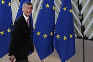 Český premiér Andrej Babiš přichází na summit EU