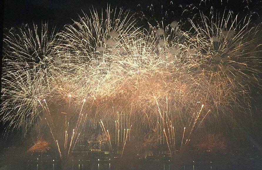 Novoroční ohňostroj v Abú Zabí