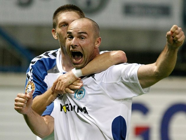 Liberecký útočník Jan Nezmar právě vstřelil Slavii gól na 1:0.