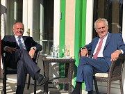 Setkání prezidentů V4 na  Štrbském Plese. Miloš Zeman a Andrej Kiska.