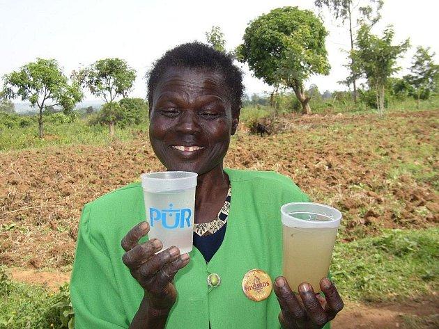 V zemích třetího světa není každodenní přísun pitné vody samozřejmostí.
