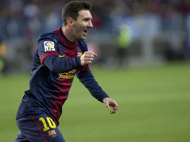 Kanonýr Barcelony Lionel Messi se raduje z gólu proti Málaze.