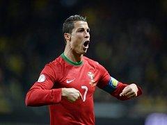 Cristiano Ronaldo poslal hattrickem proti Švédsku Portugalsko na MS do Brazílie.
