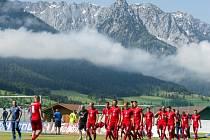 Trénink fotbalové reprezentace na soustředění v Rakousku.
