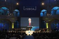 Předseda evropské komise Jose Manuel Barroso hovoří na ceremonii u příležitosti podpisu smlouvy.
