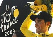 Šťastný vítěz Tour de France Španěl Alberto Contador.