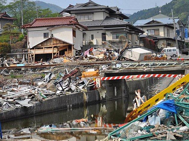 Následky katastrofy v Japonsku.