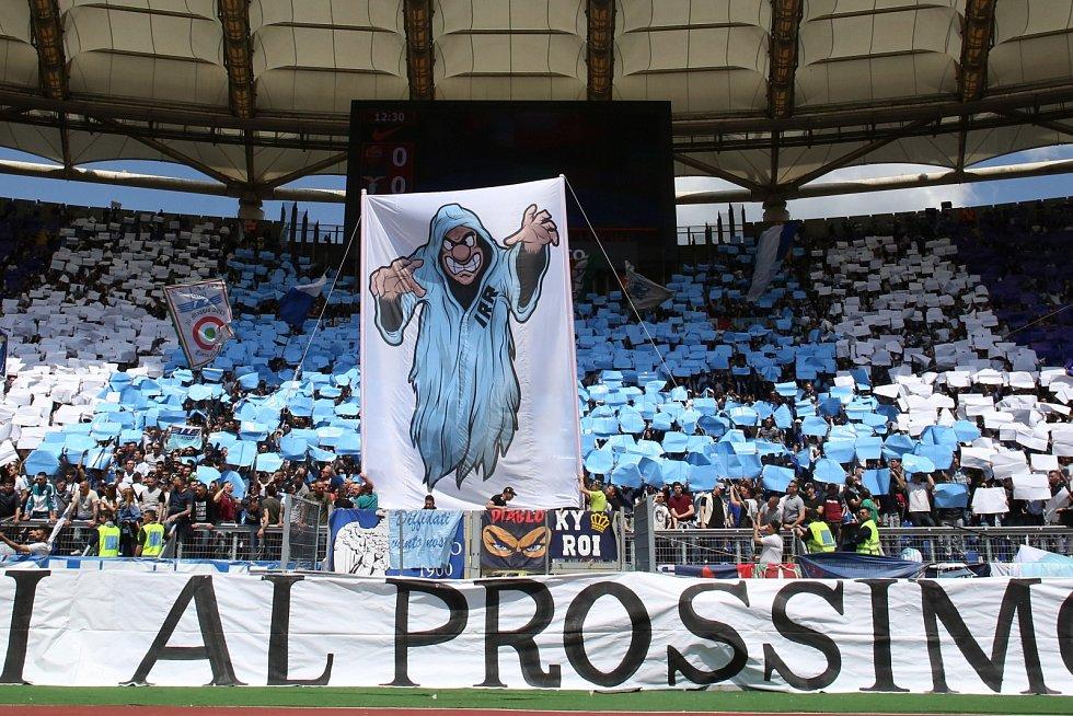 Fanoušci italského Lazia Řím jsou nepoučitelní. Jejich rasistické a homofobní chování při zápasech Evropské ligy stály klub v roce 2013 přes 3,5 milionu korun.
