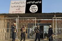Ozbrojenci organizace Islámský stát. Ilustrační snímek