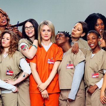 Sice starší, ale pořád dobrá. Na Netflixu je stále k mání sedmá a poslední řada seriálu z prostředí ženské věznice. Selanku, jakou má u nás David Rath, ale nečekejte.