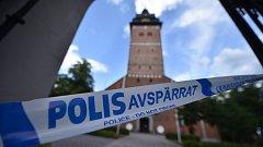 Policejní pásky před katedrálou v Strängnäsu