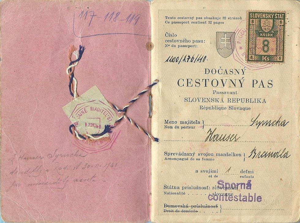 Dočasný cestovní pas slovenských židovských manželů, který v roce 1940 využili k vycestování