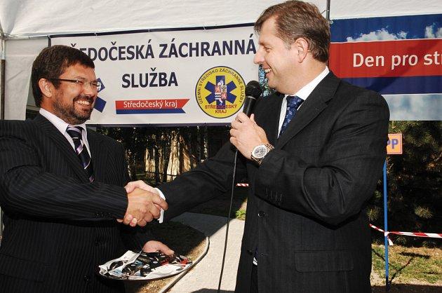 Středočeský hejtman Petr Bendl (vpravo)