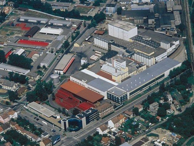Letecký pohled na pivovar Budvar v Českých Budějovicích.