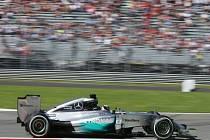 Lewis Hamilton ovládl kvalifikaci na Velkou cenu Itálie.