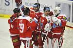 Hokejisté Olomouce se radují z obratu proti Zlínu.