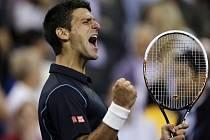 Novak Djokovič se raduje z postupu do semifinále US Open.