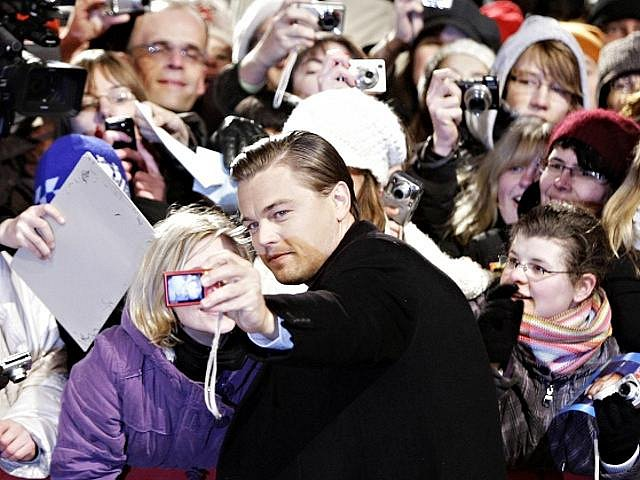 Americký herec Leonardo DiCaprio s fanoušky.