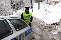 V neděli ráno byla v Jablonci nad Nisou v ulici Za teplárnou nalezena mrtvola v odstaveném vozidle Škoda Octavia.