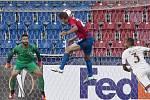Marek Bakoš střílí vyrovnávací gól proti AS Řím
