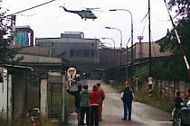 V železárnách v Hrádku vybuchla pec se žhavým železem. Čtyři těžce popálené dělníky převezly vrtulníky do nemocnice. Ostatní pracovníci naštěstí podle sdělení hasičů stačili utéci. Oheň se výbuchem samouhasil.
