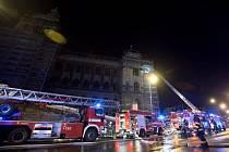 Historickou budovu Národního muzea v Praze zachvátil v noci na 12. února požár.