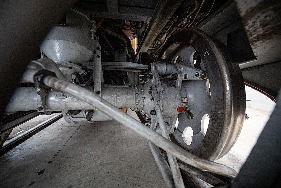 V depu Českomoravské železniční opravny probíhá rekonstrukce Slovenské střely, 21. dubna 2021 v Přerově.