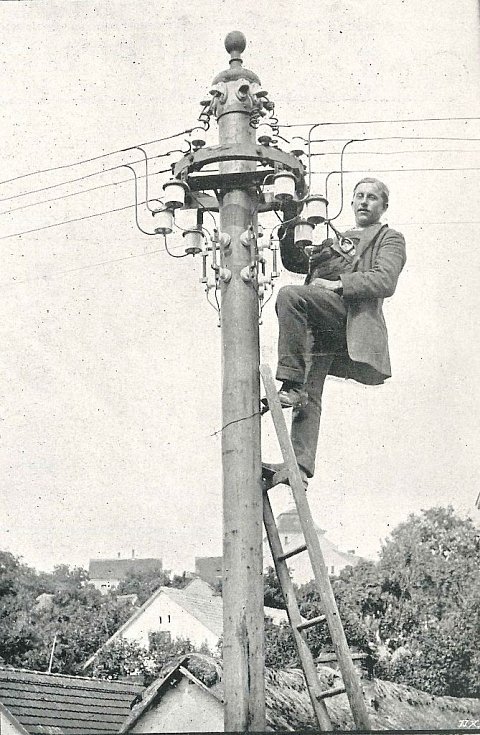 Provádění rozvodné elektrické sítě v Jílovém firmou L. Očenáškovou v Karlíně pro elektr. energii z centrály p. V.Žďárského na K. Přívoze (1912)