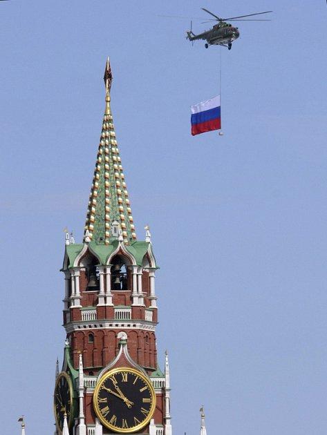 Mladí a kvalifikovaní Rusové často odcházejí do zahraničí a vracet se pak již nechtějí. Kreml by chtěl tento stav změnit.