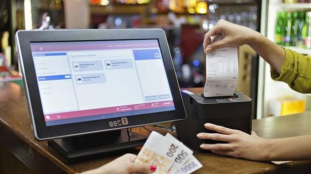 Elektronická evidence tržeb (EET). Ilustrační snímek pokladního systému s tiskárnou účtenek