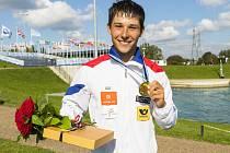 Kajakář Jiří Prskavec se zlatou medailí z mistrovství světa.