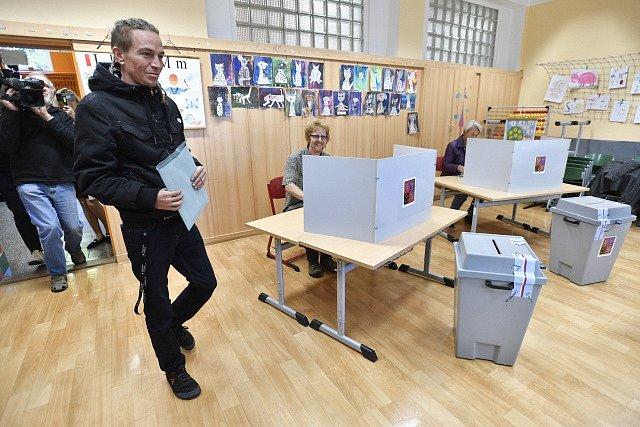 Předseda Pirátské strany odevzdal svůj hlas v komunálních volbách v Praze.