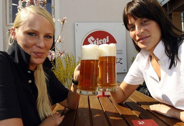 Posezení na zahrádce s pivem