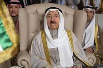 Ve věku 91 let dnes zemřel kuvajtský vládce šajch Sabah Ahmad Džábir Sabah (na snímku z roku 2019), který v ropné velmoci vládl od roku 2006.