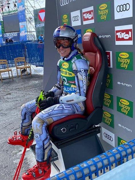 Ester Ledecká si užívá chvíle, kdy vSöldenu ve 2.kole vedla pořadí obřího slalomu.