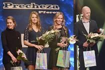 Český fedcupový tým získla Zlatého kanára. Cenu převzali (zleva) Barbora Strýcová, Lucie Šafářová, Lucie Hradecká a kapitán Petr Pála.