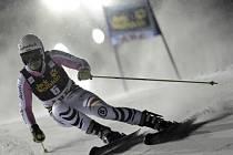 Viktoria Rebensburgová neda v obřím slalomu SP v Aare soupeřkám šanci.