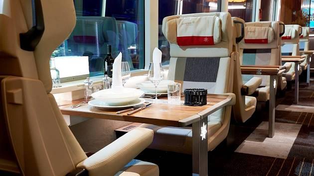 Vlaky Glacier Express s novou třídou Excellence vybavenou sedačkami české výroby
