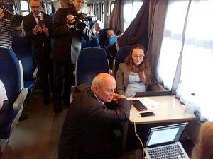 Prezidentští kandidáti prošli vlakem