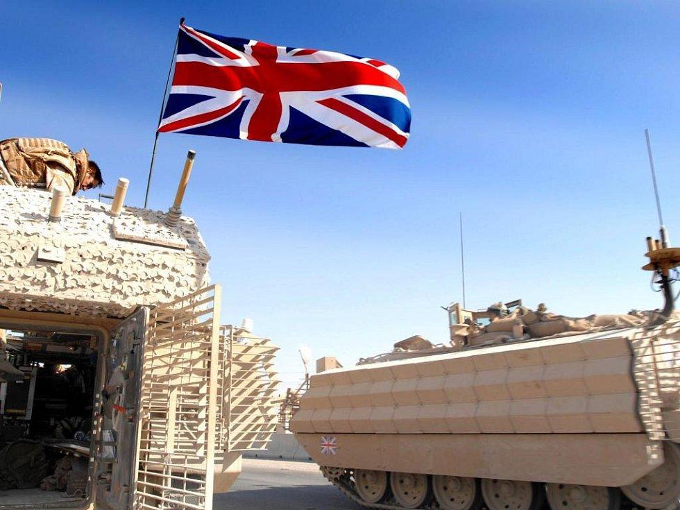 Britští vojáci zůstali v Basře o několik měsíců déle než se plánovalo.