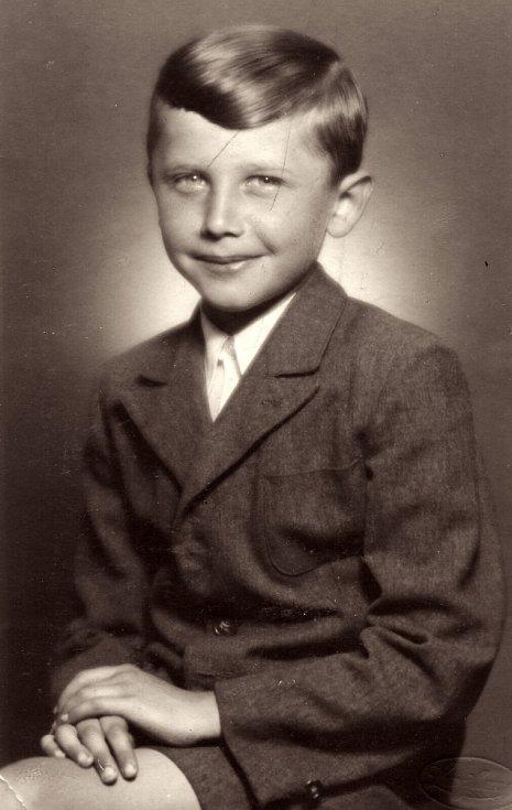 Jan Vodňanský v páté třídě v roce 1950.