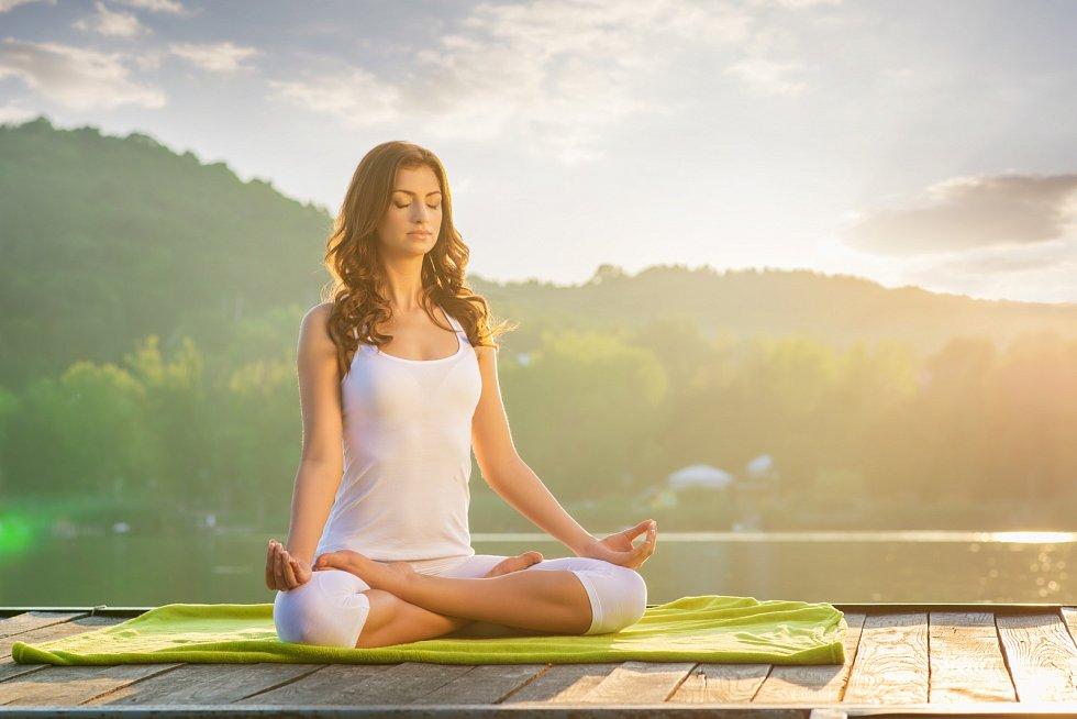 Jógu provozujte na místě, kde je vám příjemně. Příroda je pro ni stvořená.