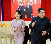 Severokorejský vůdce Kim Čong-un s manželkou Ri Sol-ču