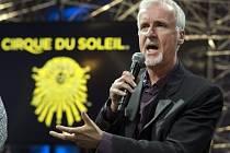 Kanadský soubor Cirque du Soleil nazkouší nové představení inspirované filmem Avatar kanadského filmaře Jamese Camerona (na snímku).